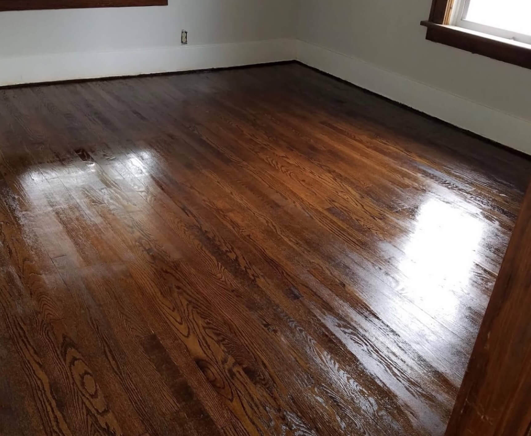 Hardwood floor refinishing services in West Mifflin, PA